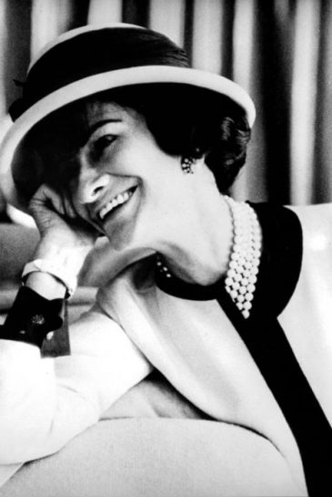 Fashion designer Coco Chanel (1883-1971) , c. early 50's. (Guliver Photos/ Getty Images)